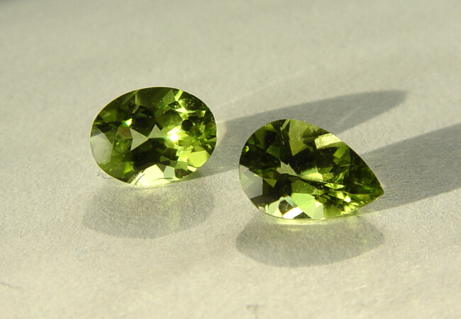 August-Birthstone-Peridot