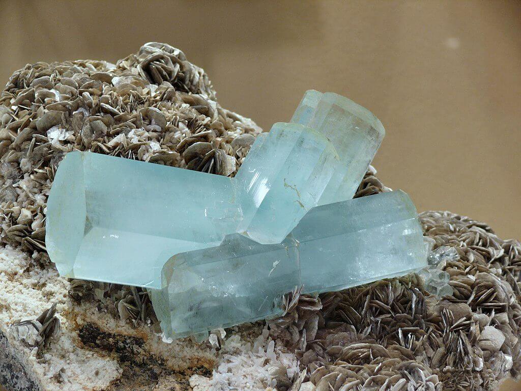 March-Birthstone-Aquamarine